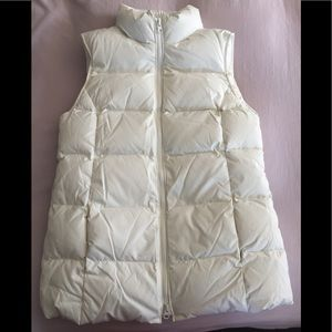 Gap white puffy vest size small